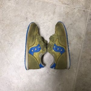 Free* Yellow and blue saucony baby jazz sneakers